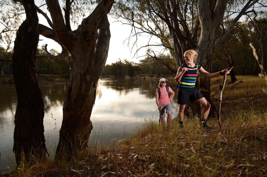 Hikers beside the Murrumbidgee River, Narrandera